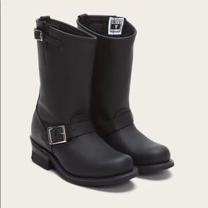 Frye Engineer Boots (NEW) Womens 9M
